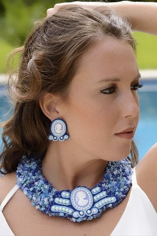 Collar bordado con soutache central en internet