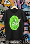 Remera Rick And Morty Portal Manos F. U.