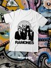 RAMONES CARTOON CON ESCUDO