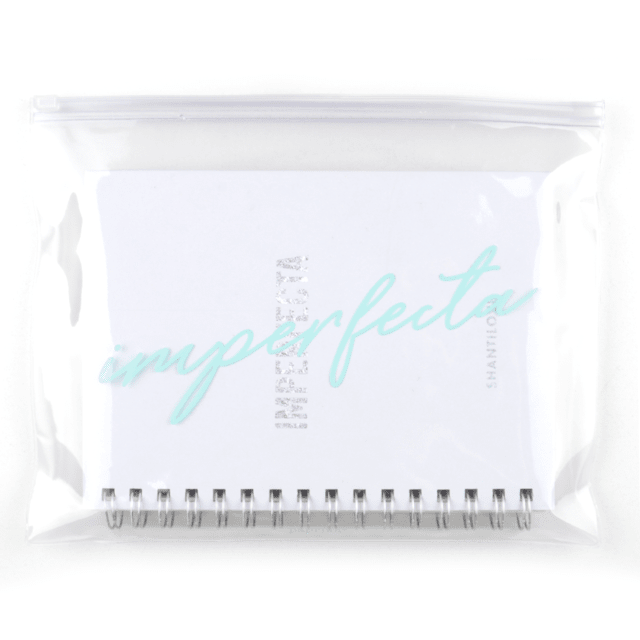 CUADERNO IMPERFECTA RAYADO  + BAG SHANTILOVE en internet