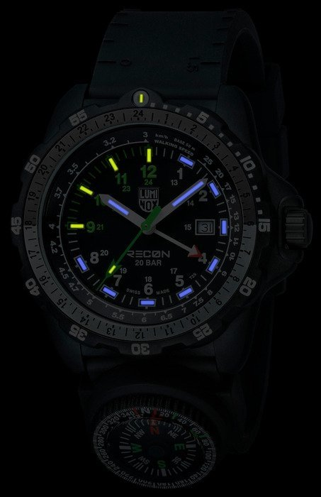 RECON NAV SPC GMT 8831 KM (Kilometers) - Luminox