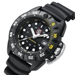Scott Cassell Deep Dive 1555,  44 mm - Luminox Argentina