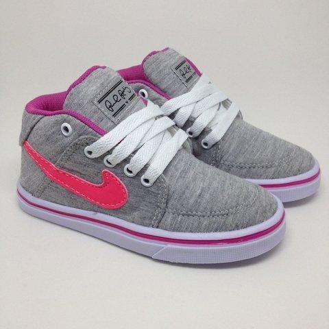 0847aef261c Nike. Nike Botinha Cano   Grafite Rosa
