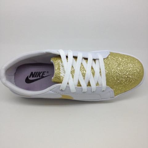 45099837829 Nike Feminino Futslide Casual   Branco Dourado (INFANTIL ADULTO)