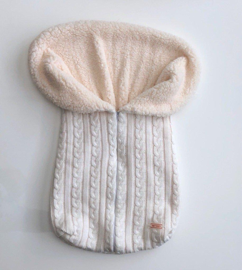 862807361300 Porta bebê de tricot