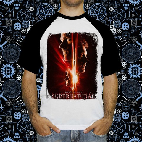 Camiseta Raglan Supernatural Temporada 13