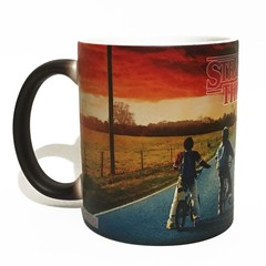 Caneca Mágica Stranger Things - Novittas - Presentes Criativos