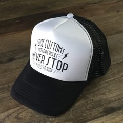 Gorra Trucker Never Stop Build to Run