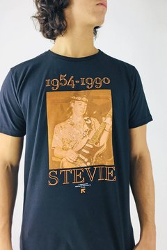 REMERA STEVIE PRINTS/19 - comprar online