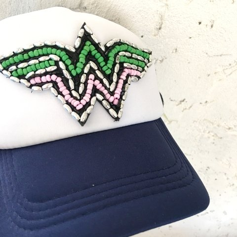 Cap Wonder Woman ( Verde y Rosa, base azul oscura)