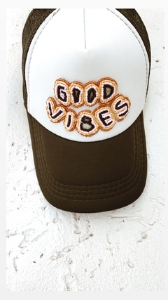 Gorra Good Vibes en internet