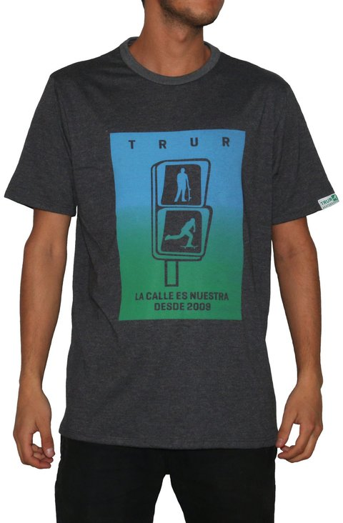 TRUR Skateboards Camiseta Degrade