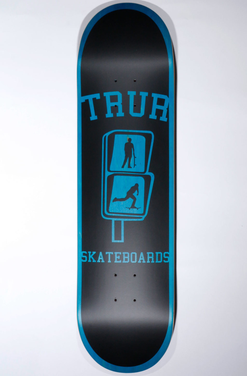 TRUR Skateboards Tabla Logo