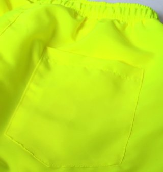 Short Summer Verde Neon na internet