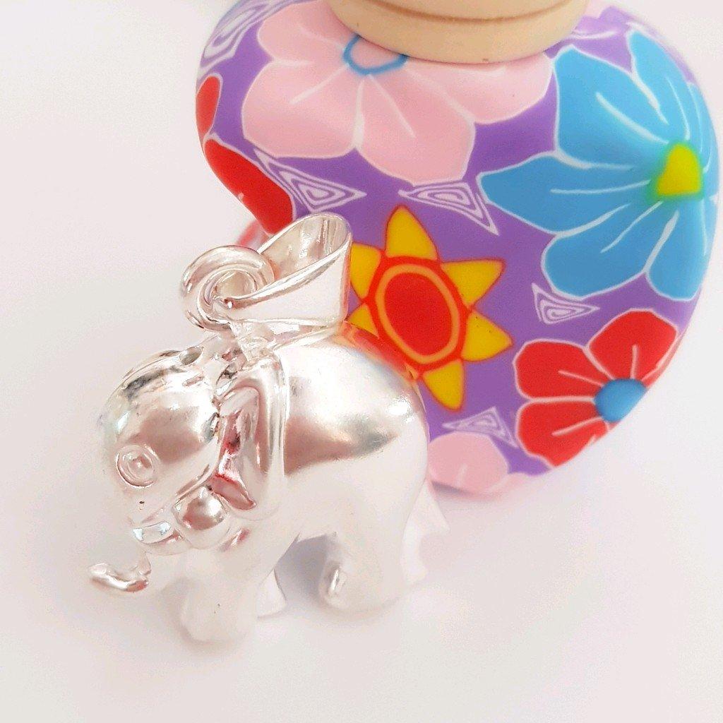 Dije elefante de plata inflada 925