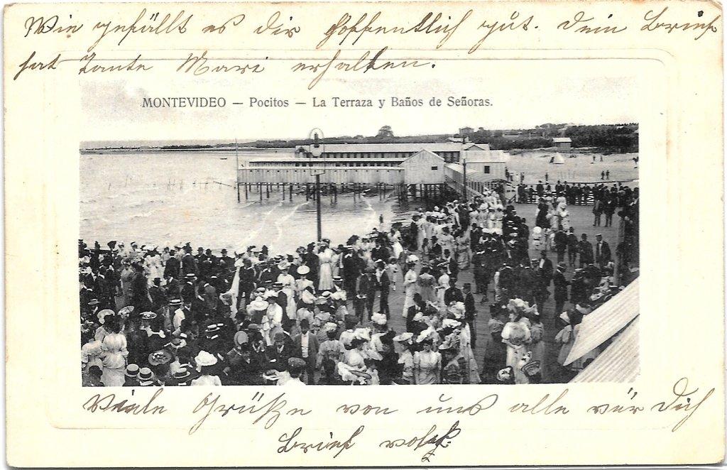 76ae55d03925 Montevideo. Pocitos. La terraza y baños de señoras.