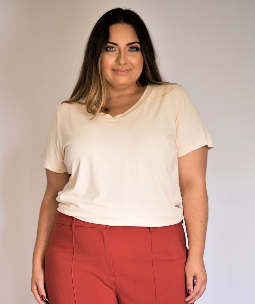 6180a5f2a7 Blusa De Malha Decote V Plus Size Exxperimenta Moda