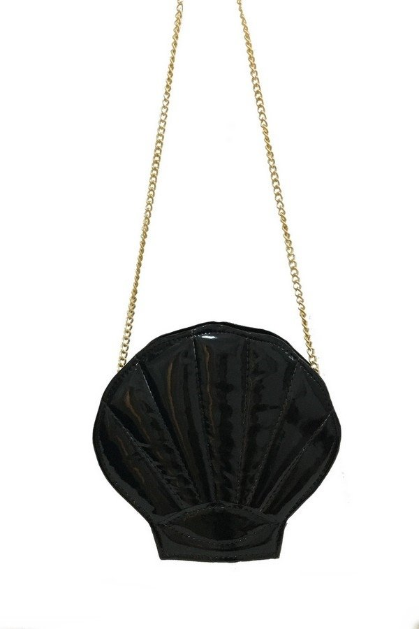 Alternative clothing and acessories:  black mermaid sea shell bag, witch shop, gothic online store