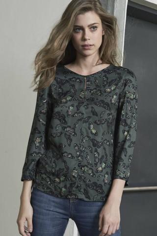 6363fc337d Imagem do Blusa Estampada  Blusa Estampada  Blusa Estampada - comprar  online  Blusa Estampada na internet  Blusa Estampada - SHOP COLCCI OFICIAL  ...