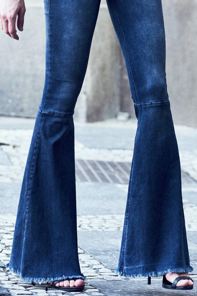 6c167cc21 Calca Jeans Karen Flare Calca Jeans Karen Flare - comprar online ...