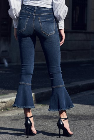 Calca Jeans Flare na internet
