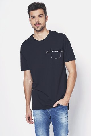 Camiseta com Bolso Bordado na internet