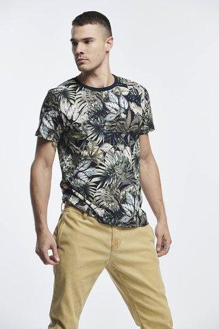92ac0d84d Camiseta Estampada Folhagens - SHOP COLCCI OFICIAL