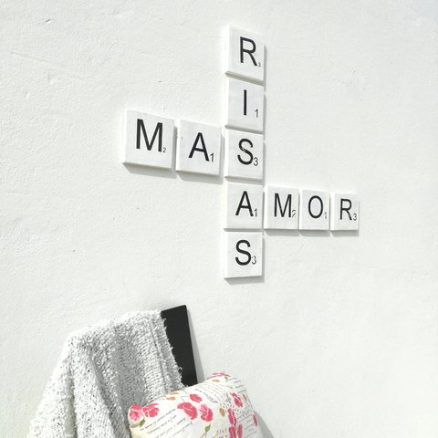 Aplique pared Mas - Risas - Amor