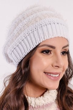 Touca Feminina Branca e Off White