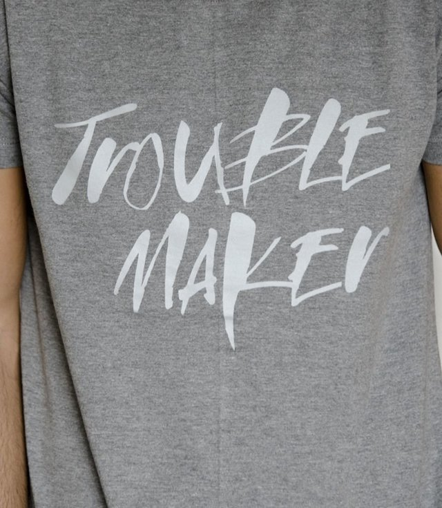 Remera TROUBLEMAKER - Hoodie outfitters
