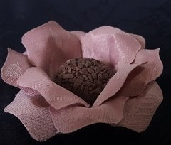 flower-wrappers-for-wedding-sweets-carol-jacquard