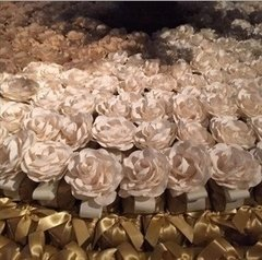 fabric-flowers-for-wedding-decoration
