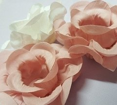 Image of Fabric Flower Wrappers for Wedding Sweets Cecilia (30 pieces)