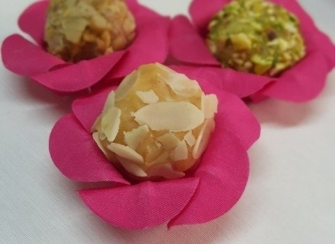 flower-wrappers-for-wedding-sweets-camelia-pink