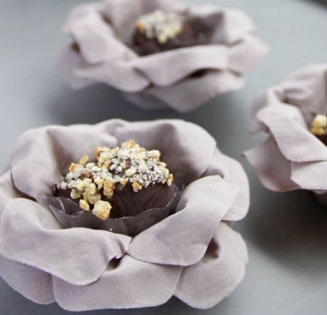 Fabric Flower for Wedding Sweets Carol (30 pieces) - Celebrity Forminhas de Doces Para Casamento