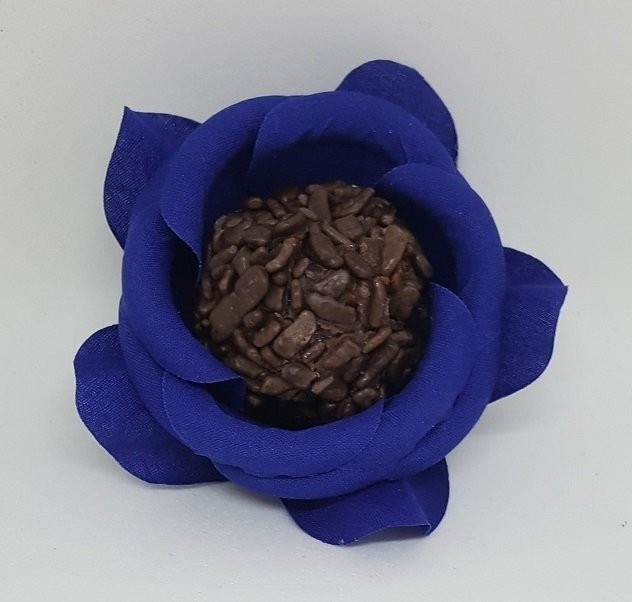 fabric-flower-wrappers-for-wedding-sweets-rounded-camellia