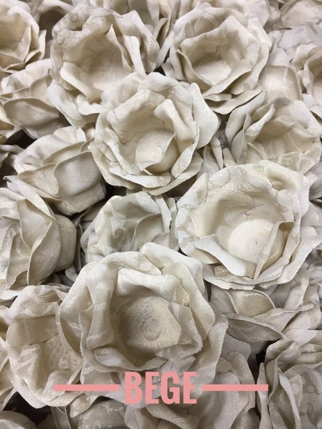 fabric-flower-wrappers-for-large-wedding-sweets-beatriz-beige