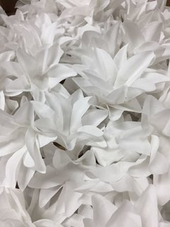 fabric-flower-wrappers-for-wedding-sweets-white-lily