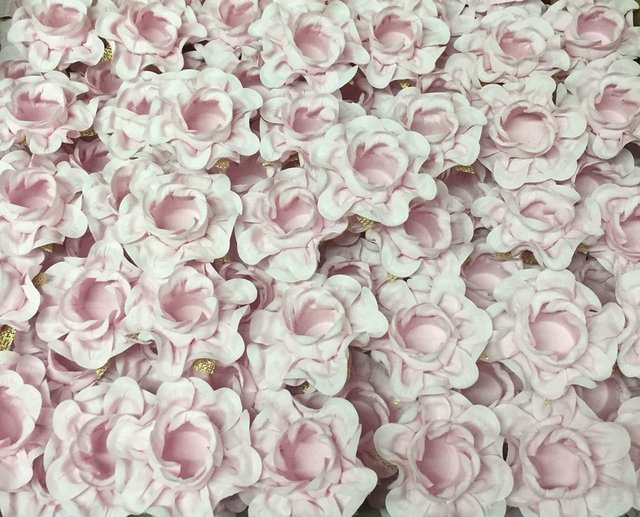 fabric-flower-wrappers-for-wedding-sweets-isis