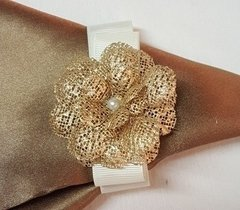 Napkin Holder Flower & Pearl (20 pieces) - Celebrity Forminhas de Doces Para Casamento