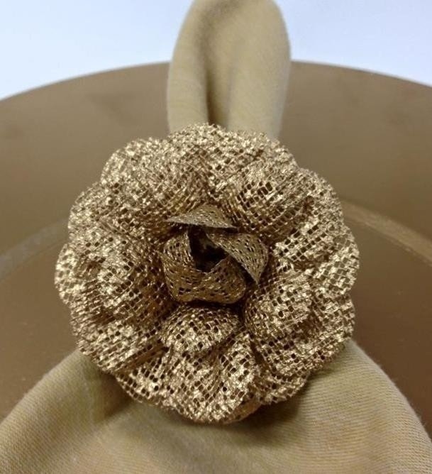 golden-napkin-holder-for-wedding
