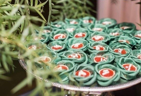 flower-wrappers-for-wedding-sweets-mini-camellia-rounded