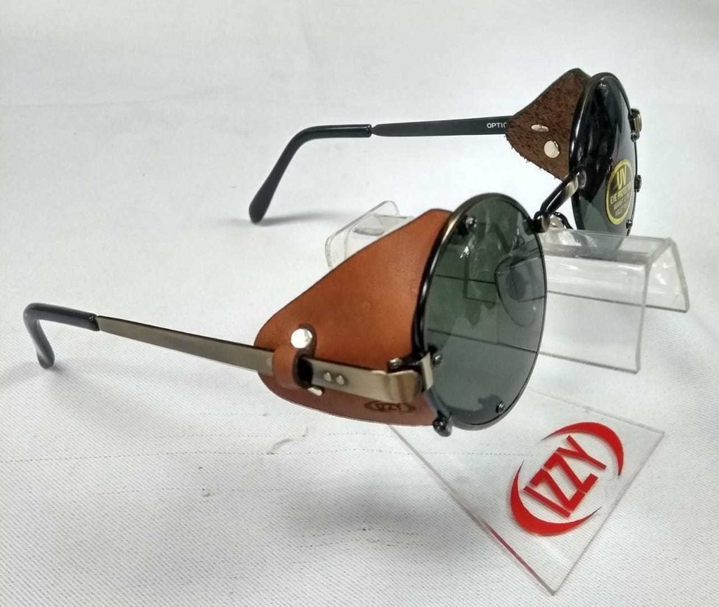 eb3c91270 Óculos Retrô Redondo De Proteção Lateral Em Couro