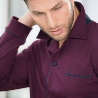 Cardigan masculino bordô