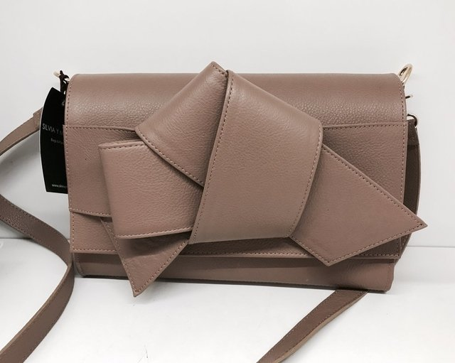 Ribbon clutch - Silvia y Mario