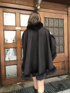 Cashmere & fox cape Short on front, long in back/ - comprar online