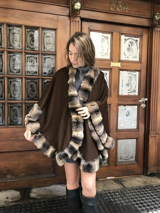 Brown cashmere & chinchilla cape
