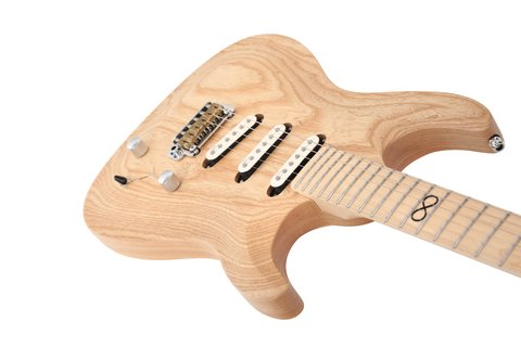Imagen de Chapman Guitars ML1 Pro Traditional Natural ML1P TRD NAT Con Estuche Rigido Chapman