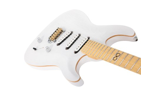Imagen de Chapman Guitars ML1 Pro Traditional White Dove ML1P TRD WHT Con Estuche Rigido Chapman