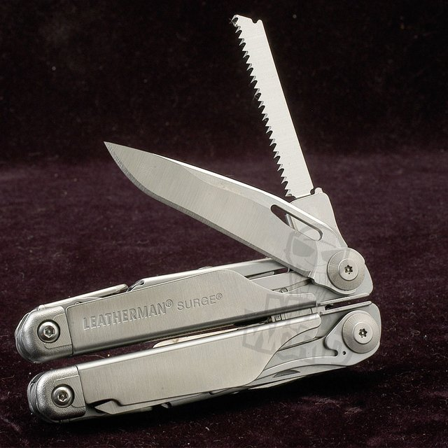 Pinza Multifuncion Surge, Leatherman. - comprar online